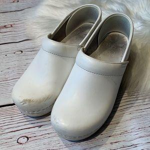 Dansko Classic White Nursing Comfort Clogs Sz 38